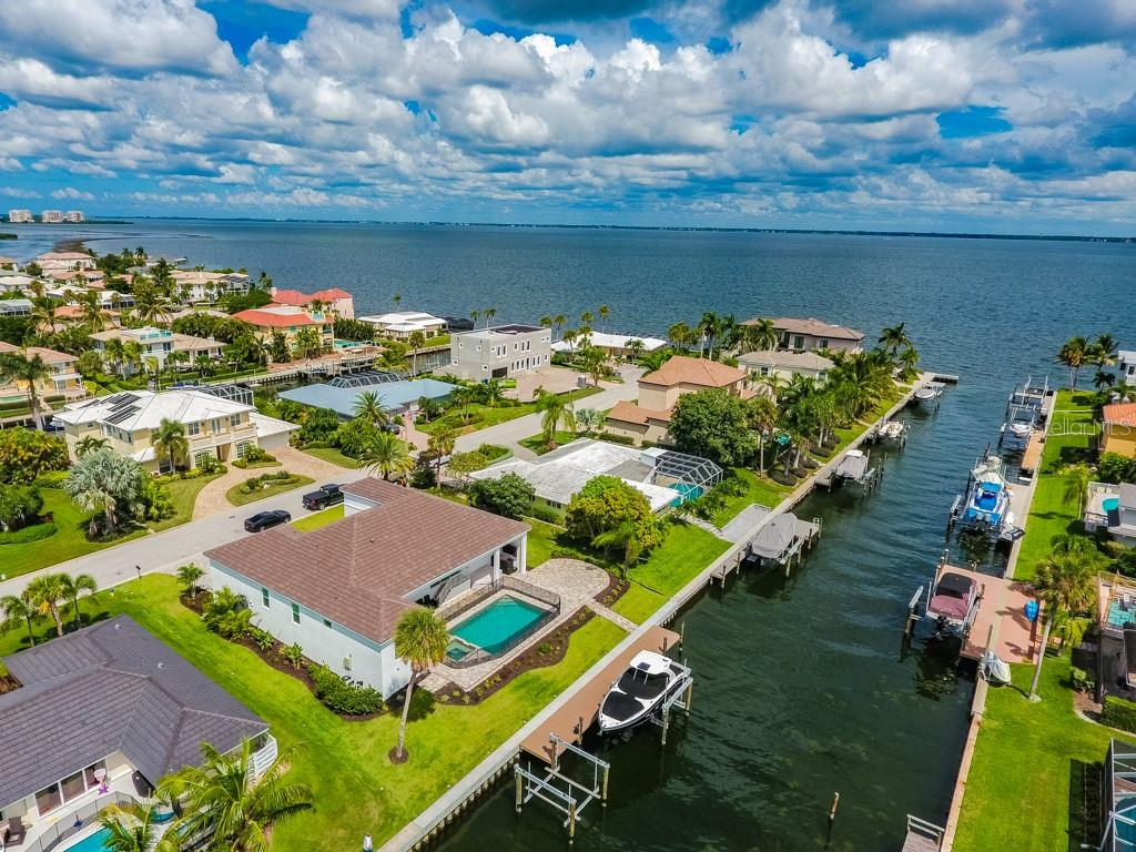 Boater paradise - Single Family Home for sale at 560 Wedge Ln, Longboat Key, FL 34228 - MLS Number is A4452288