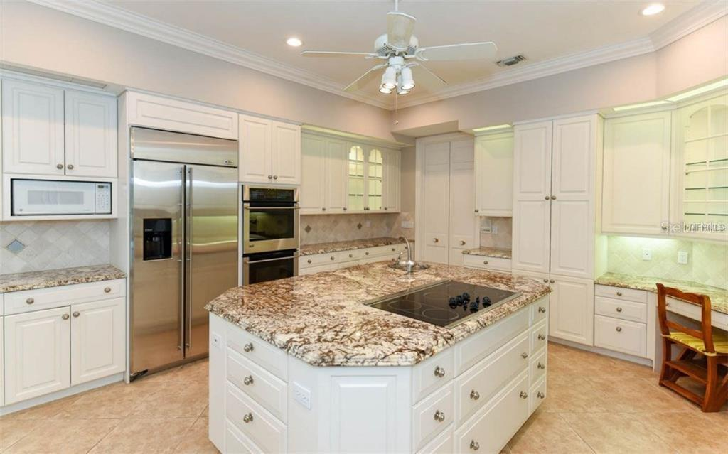 Single Family Home for sale at 676 Eagle Watch Ln, Osprey, FL 34229 - MLS Number is A4452379