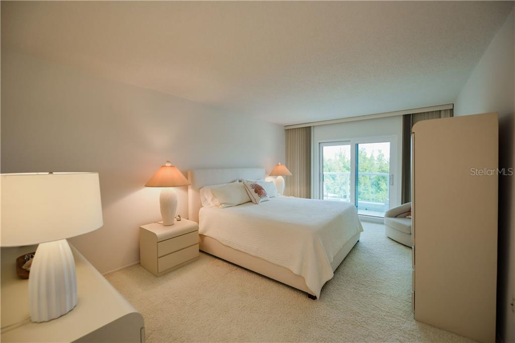 Master Suite with Access to Second Balcony. - Condo for sale at 1050 Longboat Club Rd #803, Longboat Key, FL 34228 - MLS Number is A4454175