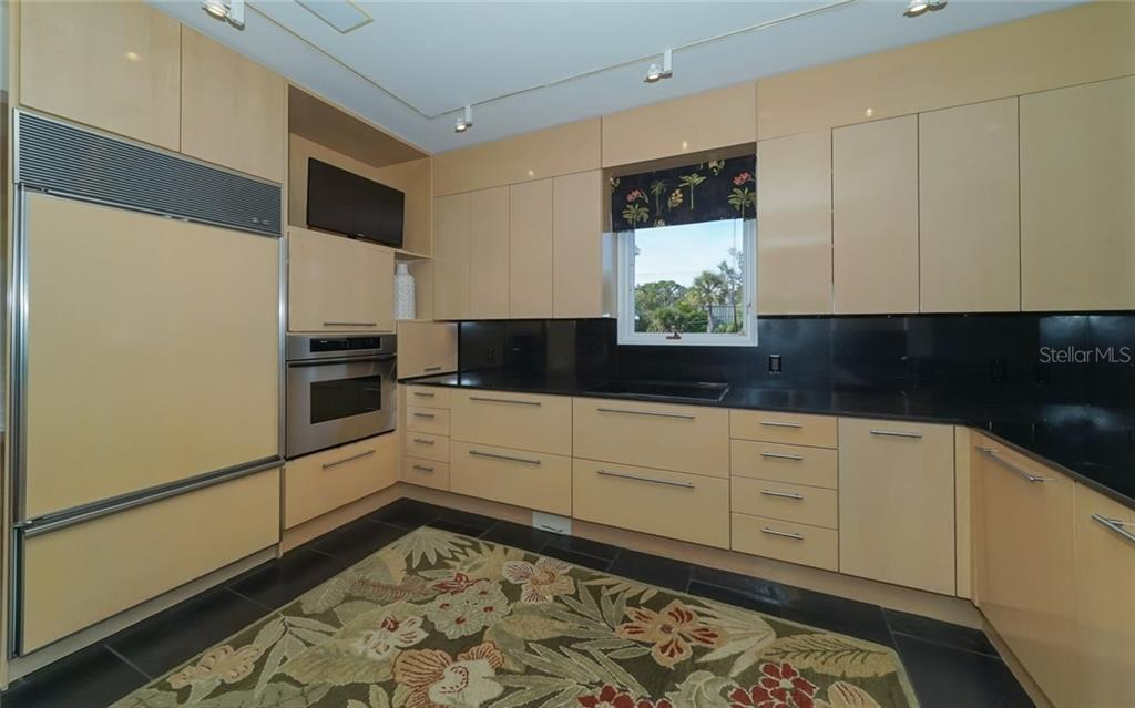 Gourmet kitchen w/lots of storage! - Condo for sale at 3994 Hamilton Club Cir #18, Sarasota, FL 34242 - MLS Number is A4455281
