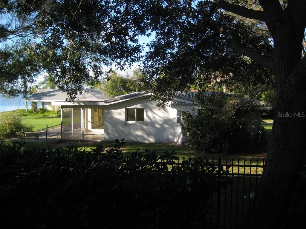 Single Family Home for sale at 622 Bayshore Dr, Osprey, FL 34229 - MLS Number is A4455912