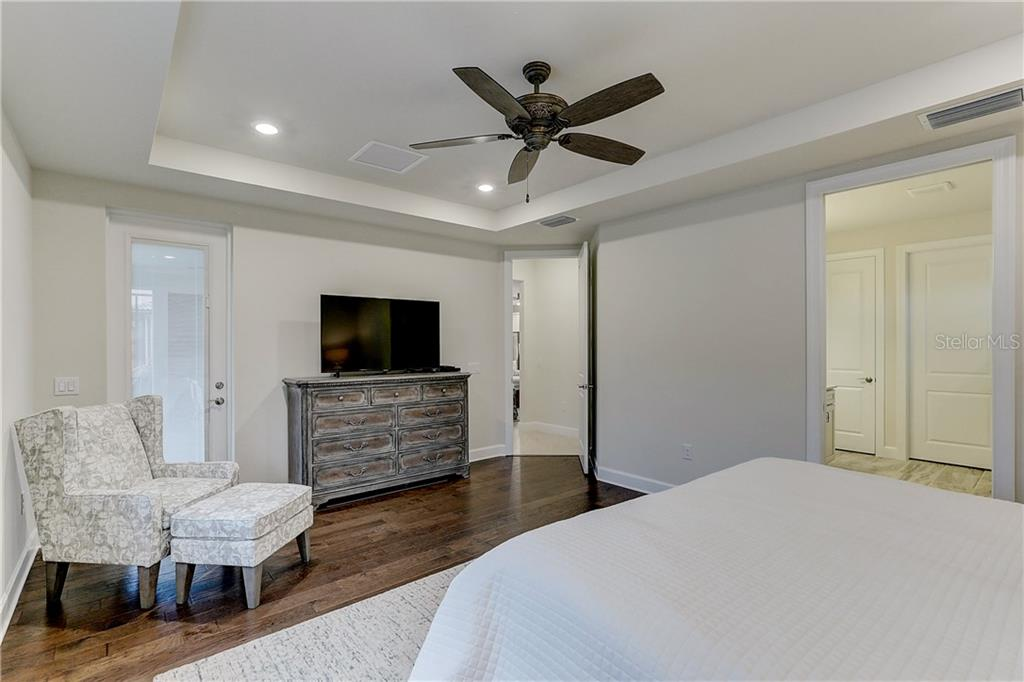 Master Bedroom - Single Family Home for sale at 6859 Chester Trl, Lakewood Ranch, FL 34202 - MLS Number is A4458594