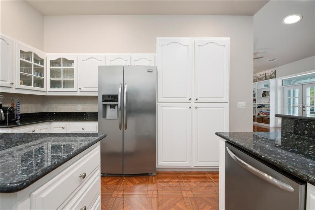 Kitchen - Single Family Home for sale at 448 Baynard Dr, Venice, FL 34285 - MLS Number is A4459566