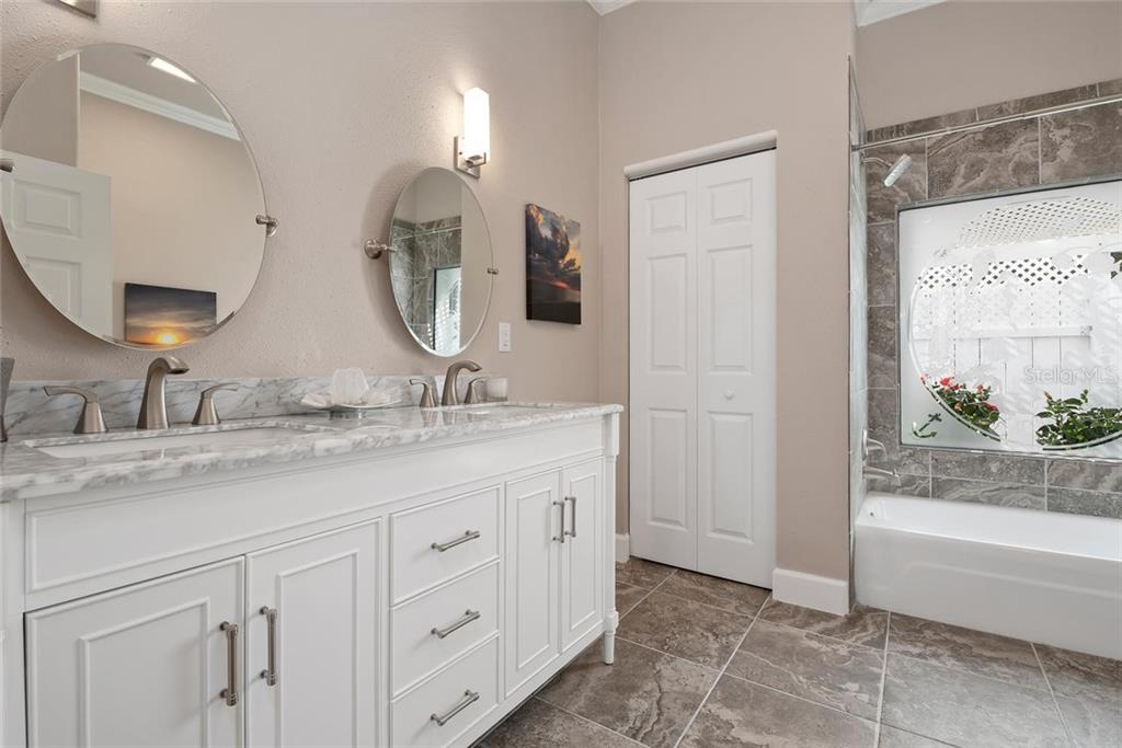Guest bathroom - Single Family Home for sale at 448 Baynard Dr, Venice, FL 34285 - MLS Number is A4459566