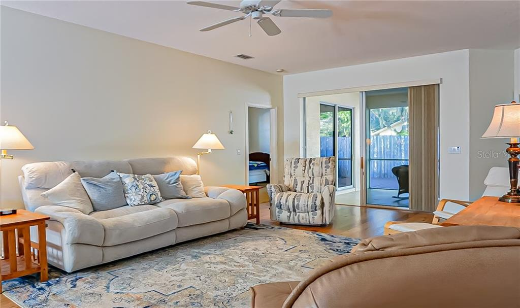 Single Family Home for sale at 1041 Whitegate Ct, Sarasota, FL 34232 - MLS Number is A4459705