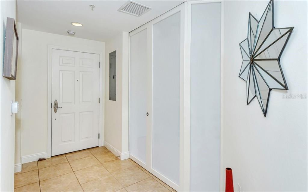 Foyer - Condo for sale at 100 Central Ave #A401, Sarasota, FL 34236 - MLS Number is A4463296
