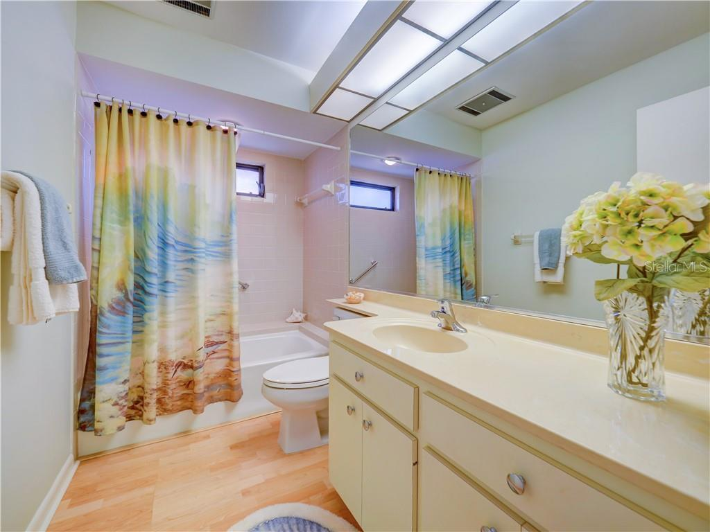 Master Bathroom also w/Tub and Shower - Villa for sale at 4335 Rum Cay Cir, Sarasota, FL 34233 - MLS Number is A4463762
