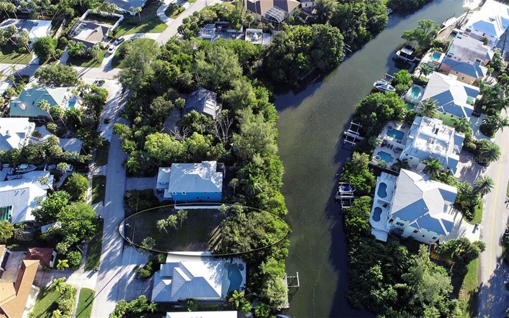 Vacant Land for sale at 350 Island Cir, Sarasota, FL 34242 - MLS Number is A4466741