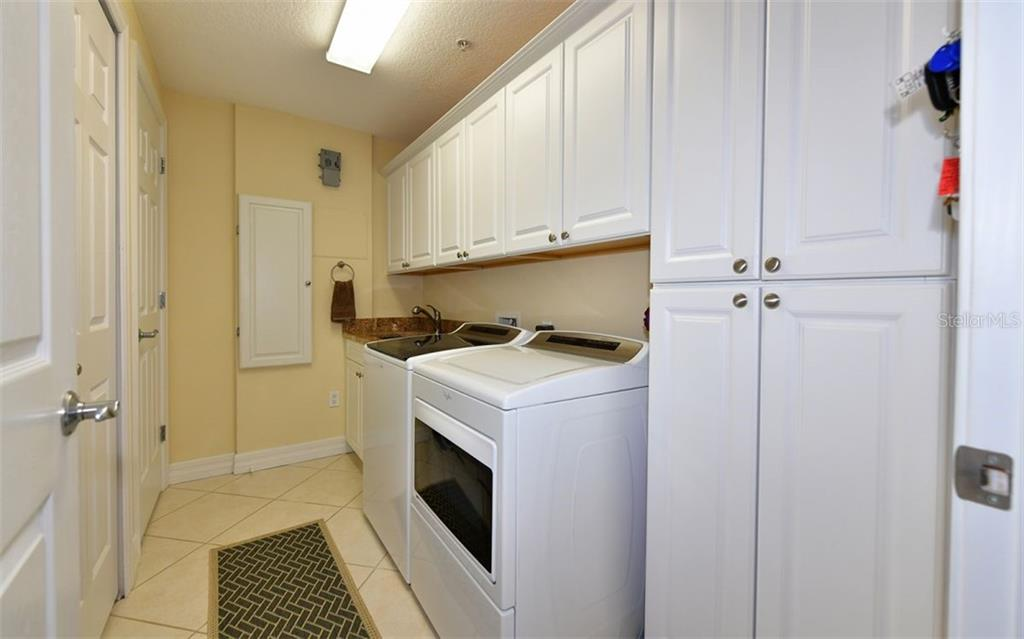 Condo for sale at 516 Tamiami Trl S #401, Nokomis, FL 34275 - MLS Number is A4468869