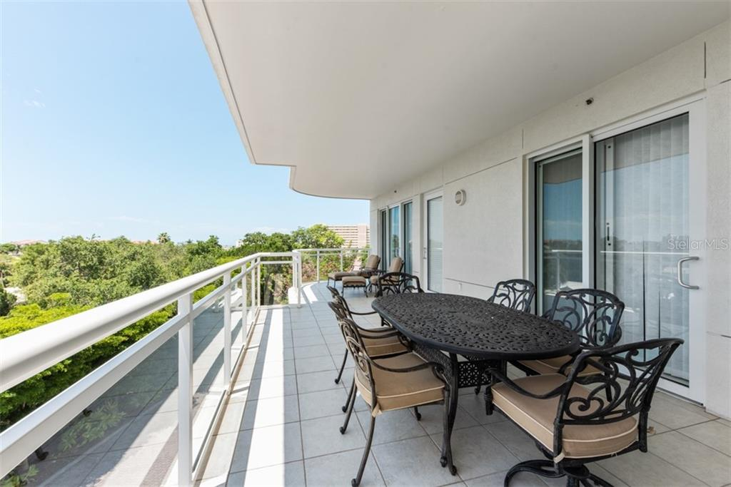 Condo for sale at 1640 Summerhouse Ln #30, Sarasota, FL 34242 - MLS Number is A4469222