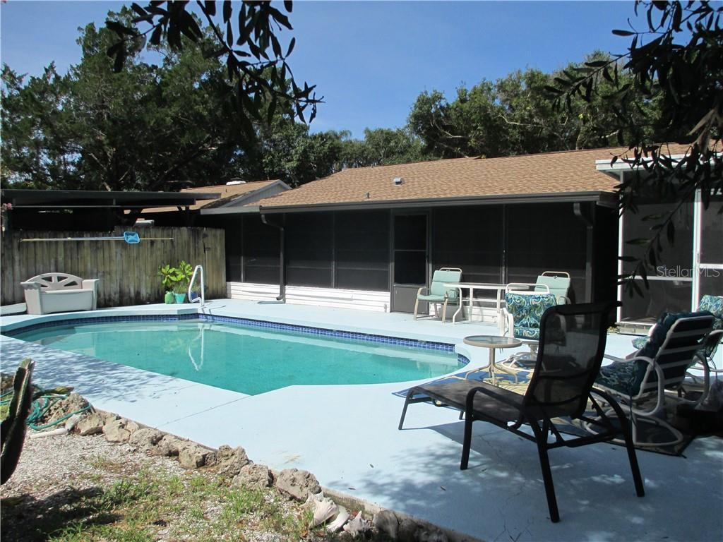 Single Family Home for sale at 4915 Harris Ave, Sarasota, FL 34233 - MLS Number is A4473427
