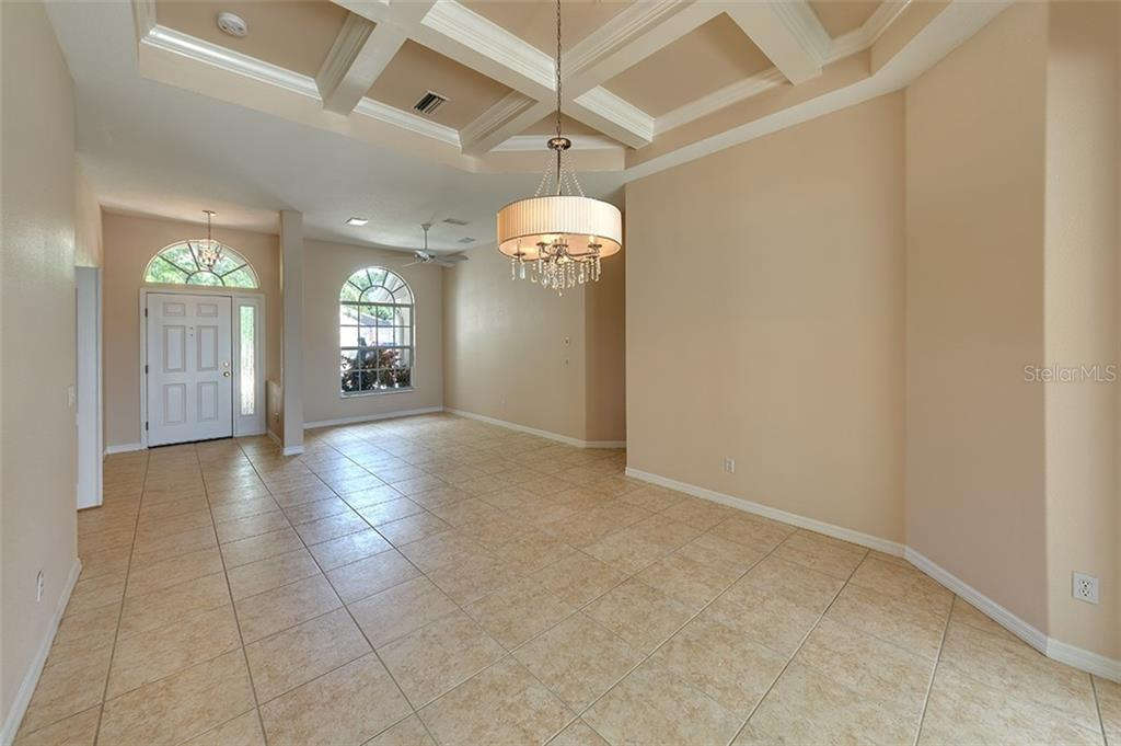 Single Family Home for sale at 5277 Creekside Trl, Sarasota, FL 34243 - MLS Number is A4473997