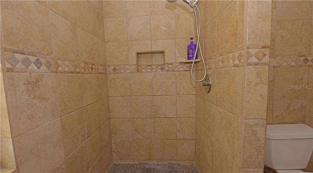 Master bathroom shower. - Single Family Home for sale at 3921 Warren St, Sarasota, FL 34233 - MLS Number is A4474011