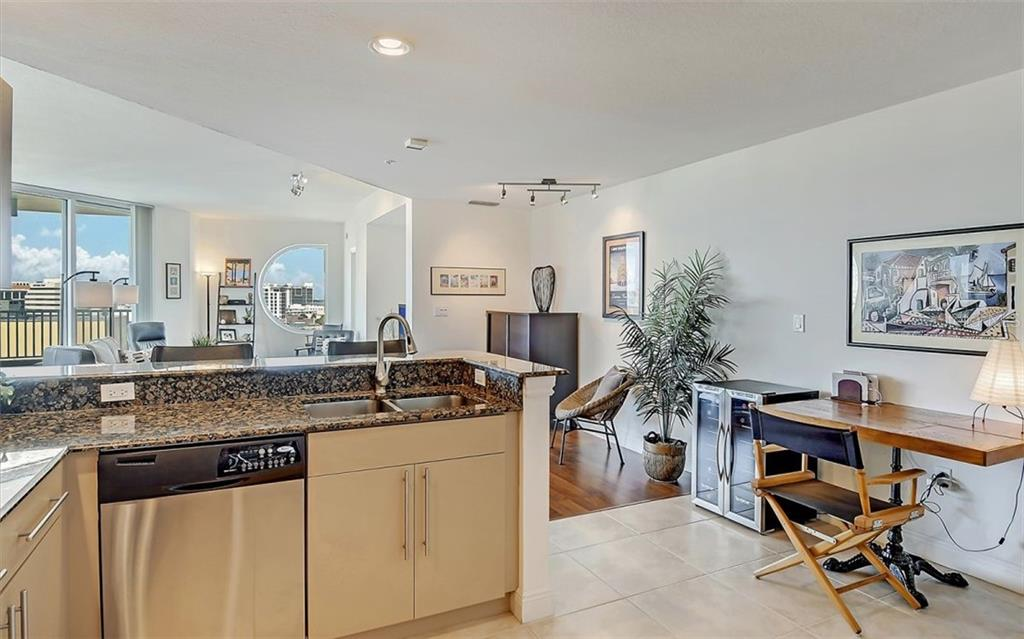 Enjoy your family and friends even while you're working in the sunny kitchen - Condo for sale at 1771 Ringling Blvd #1110, Sarasota, FL 34236 - MLS Number is A4474683