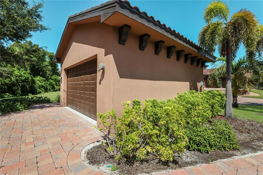 Detached 2 car garage. There is a 3 car garage attached. - Single Family Home for sale at 4925 Topsail Dr, Nokomis, FL 34275 - MLS Number is A4475116