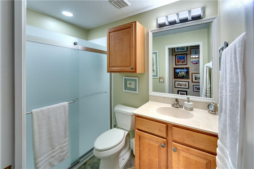 Guest Bath - Single Family Home for sale at 701 Misty Pond Ct, Bradenton, FL 34212 - MLS Number is A4476203