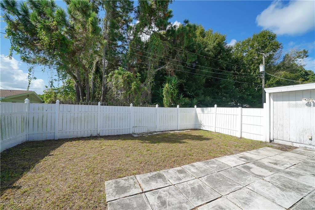 Single Family Home for sale at 2738 Tangelo Dr, Sarasota, FL 34239 - MLS Number is A4476916