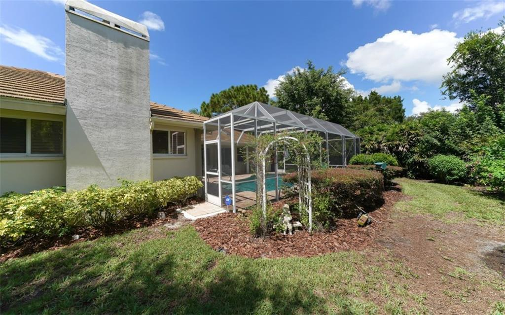 Single Family Home for sale at 6652 Saint James Xing, University Park, FL 34201 - MLS Number is A4477820