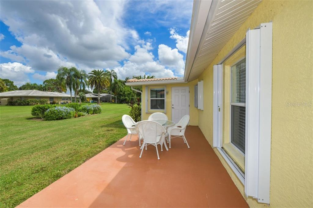 Single Family Home for sale at 2431 Cass St, Sarasota, FL 34231 - MLS Number is A4479348