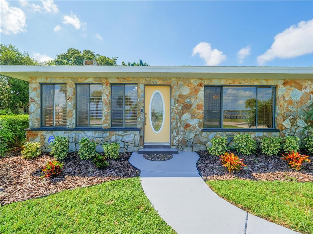 Beautiful stone work creates an inviting entry into this lovely home. - Single Family Home for sale at 2408 Riverside Dr E, Bradenton, FL 34208 - MLS Number is A4480609