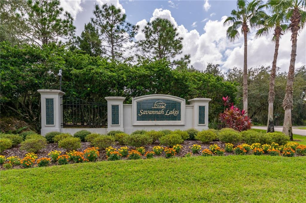 Single Family Home for sale at 11407 Savannah Lakes Dr, Parrish, FL 34219 - MLS Number is A4481711