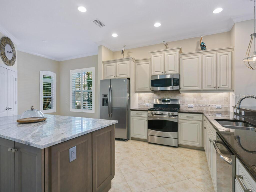 Single Family Home for sale at 7218 Belleisle Gln, Lakewood Ranch, FL 34202 - MLS Number is A4483653