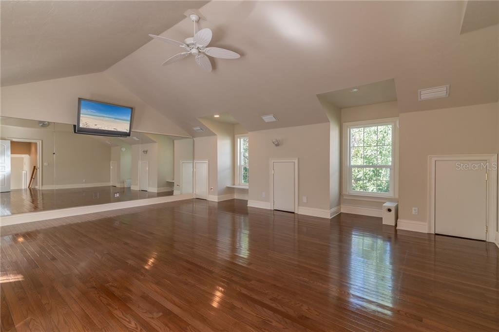 Single Family Home for sale at 6675 Peacock Rd, Sarasota, FL 34242 - MLS Number is A4485659
