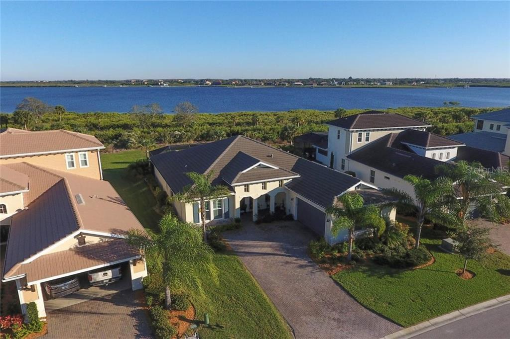 Location, Location! Be one of the fortunate few calling the Magnificent Manatee River