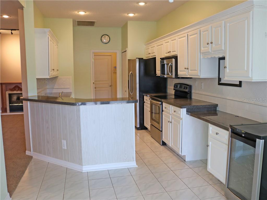 Single Family Home for sale at 4652 56th Ter E, Bradenton, FL 34203 - MLS Number is A4496583
