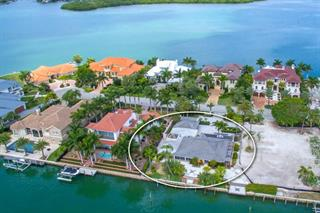 363 W Royal Flamingo Dr, Sarasota, FL 34236