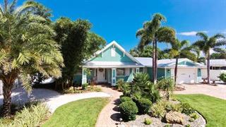 518 72nd St, Holmes Beach, FL 34217