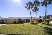 5663 Country Lakes Dr, Sarasota, FL 34243