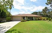 4442 Meadow Creek Cir, Sarasota, FL 34233