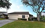 3969 Glen Oaks Manor Dr, Sarasota, FL 34232