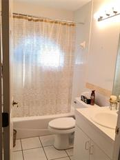 BATH ADJACENT TO THIRD BEDROOM - Single Family Home for sale at 1203 Harbor Town Way, Venice, FL 34292 - MLS Number is A4180060