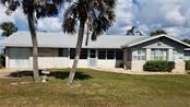 Single Family Home for sale at 7140 Point Of Rocks Cir, Sarasota, FL 34242 - MLS Number is A4198882