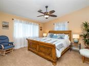 En-suite bedroom - Single Family Home for sale at 425 Meadow Lark Dr, Sarasota, FL 34236 - MLS Number is A4415655