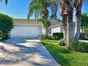 Villa for sale at 1016 Ibis Ct, Bradenton, FL 34209 - MLS Number is A4419329