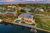 619 N Point Dr, Holmes Beach, FL 34217