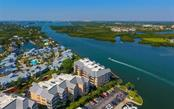 1280 Dolphin Bay Way #302, Sarasota, FL 34242