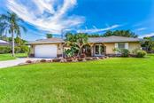 Single Family Home for sale at 13501 Upper Manatee River Rd, Bradenton, FL 34212 - MLS Number is A4437302