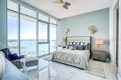 Master Bedroom - Condo for sale at 1155 N Gulfstream Ave #1909, Sarasota, FL 34236 - MLS Number is A4461040