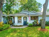 Single Family Home for sale at 3519 Jacinto Ct, Sarasota, FL 34239 - MLS Number is A4496683
