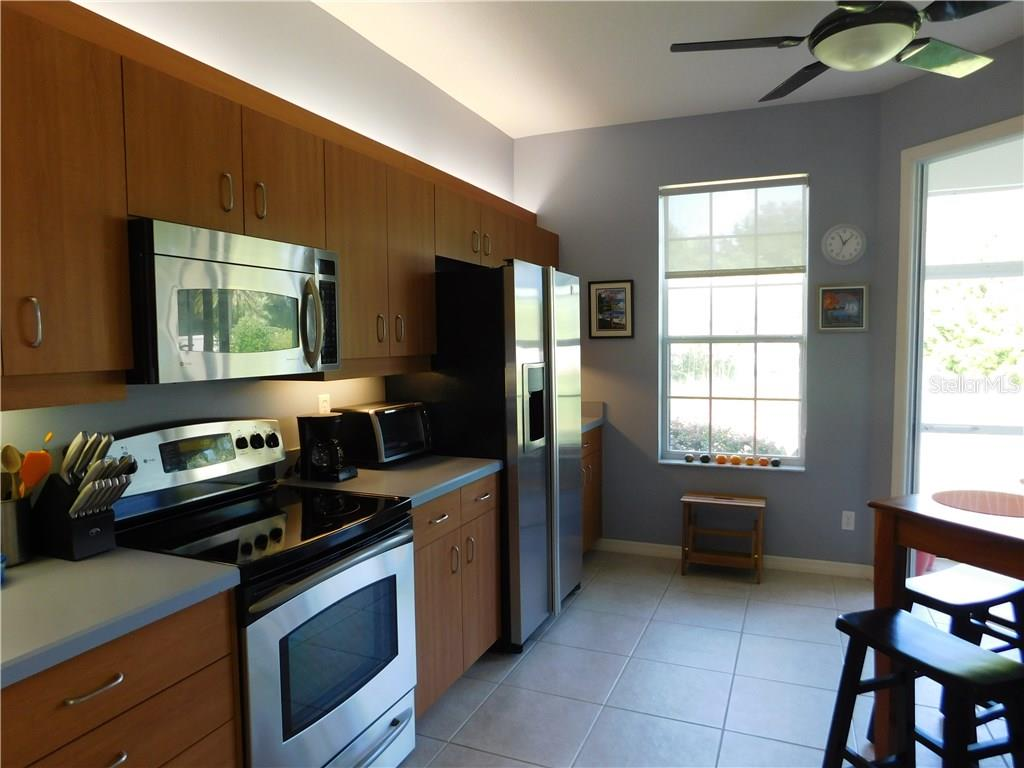 Kitchen - Villa for sale at 1649 Monarch Dr #1649, Venice, FL 34293 - MLS Number is N5909224