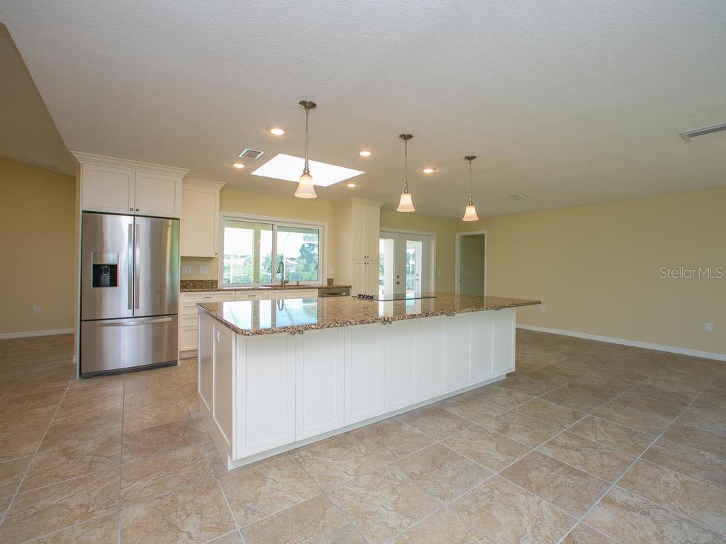 Single Family Home for sale at 436 Bellini Cir, Nokomis, FL 34275 - MLS Number is N5909655