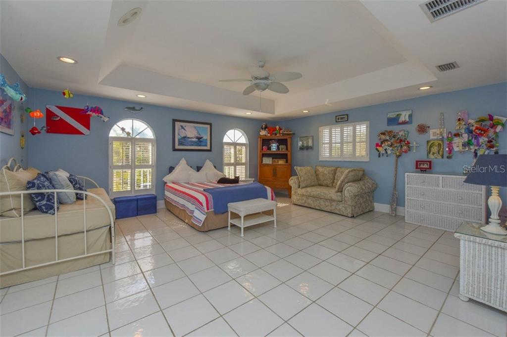 3rd bedroom - Single Family Home for sale at 725 El Dorado Dr, Venice, FL 34285 - MLS Number is N5911780