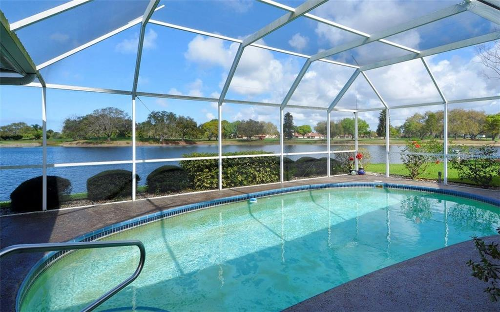 Pool with a view - Single Family Home for sale at 1933 Innisbrook Ct, Venice, FL 34293 - MLS Number is N5912040