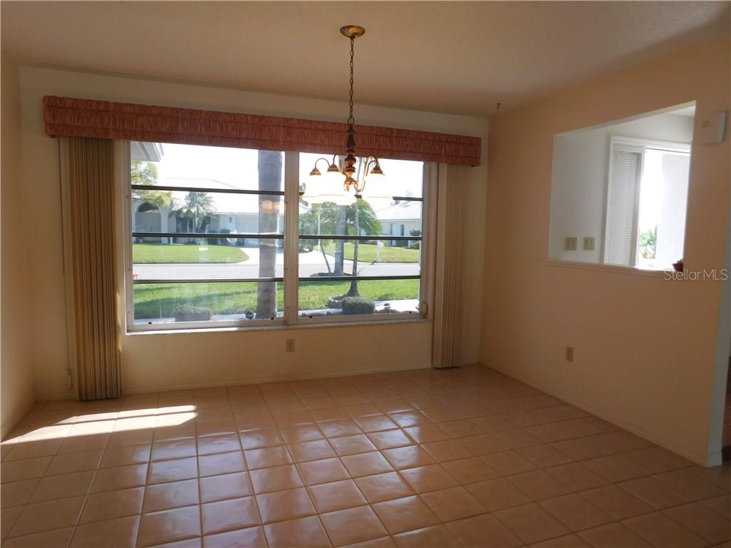 Dining Room - Single Family Home for sale at 523 Warwick Dr, Venice, FL 34293 - MLS Number is N5912085