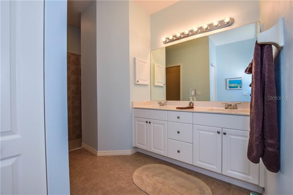 Master Bath - Villa for sale at 1641 Monarch Dr #1641, Venice, FL 34293 - MLS Number is N5913259