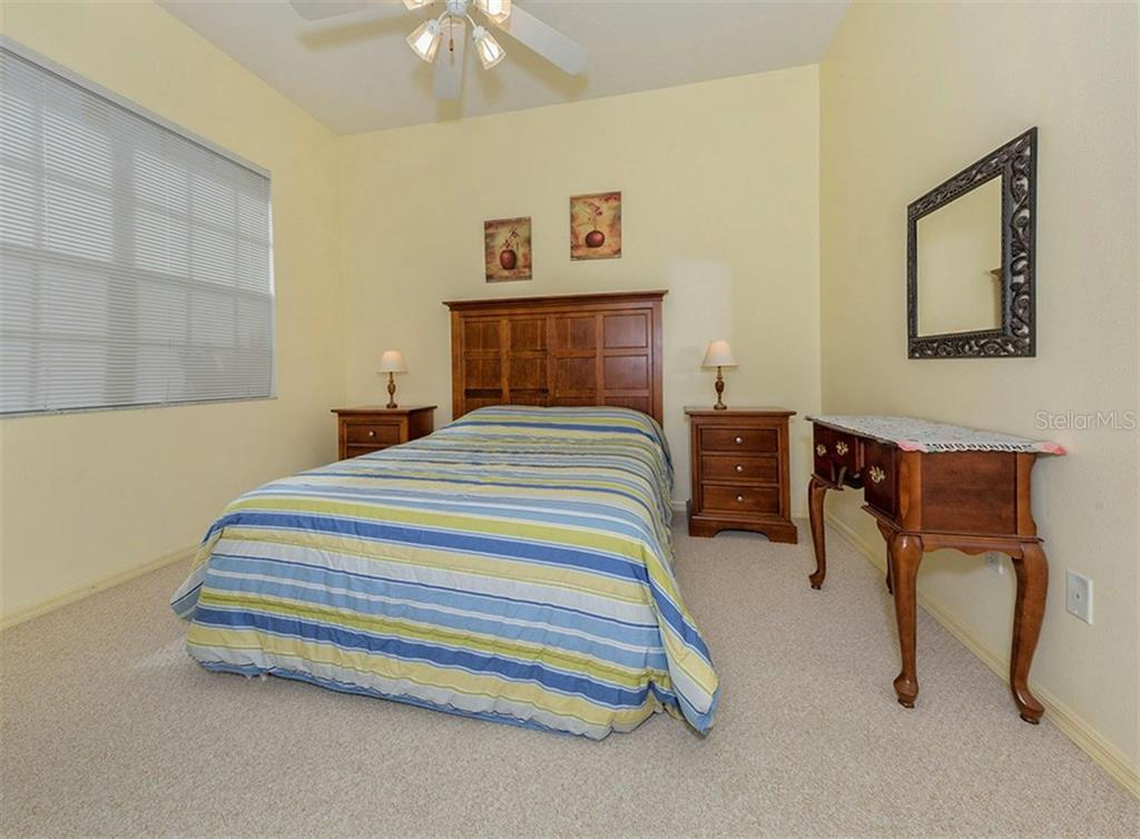 Bedroom 3 - Single Family Home for sale at 214 Vestavia Dr, Venice, FL 34292 - MLS Number is N5913794